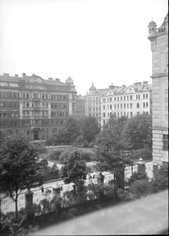 Wien 8, Hamerlingplatz