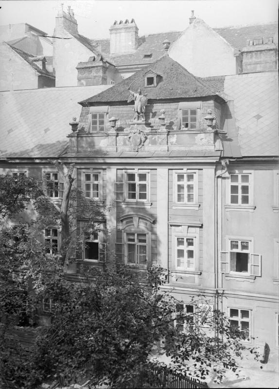 Wien 8, Lenaugasse 19
