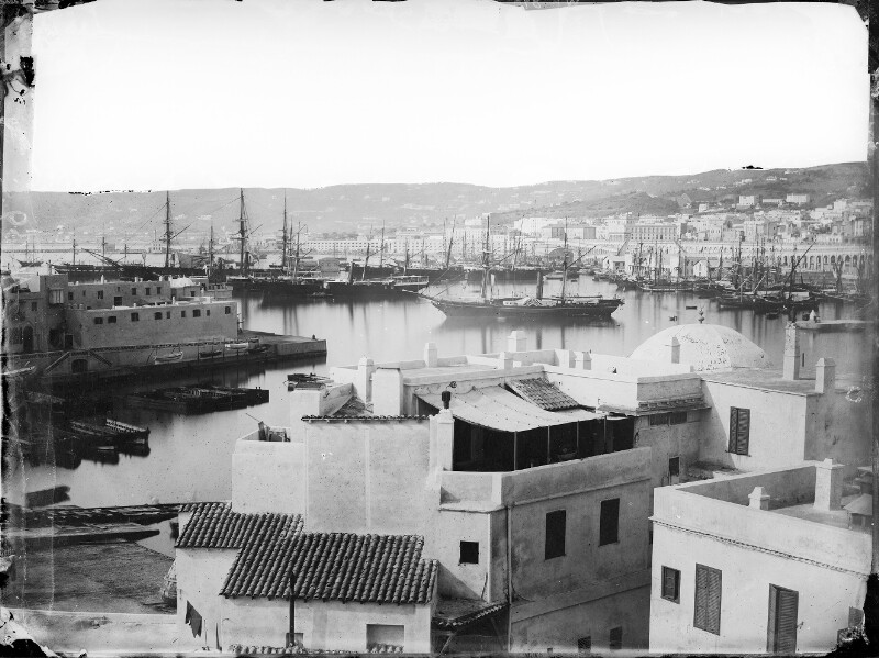 Blick über den Hafen von Algier