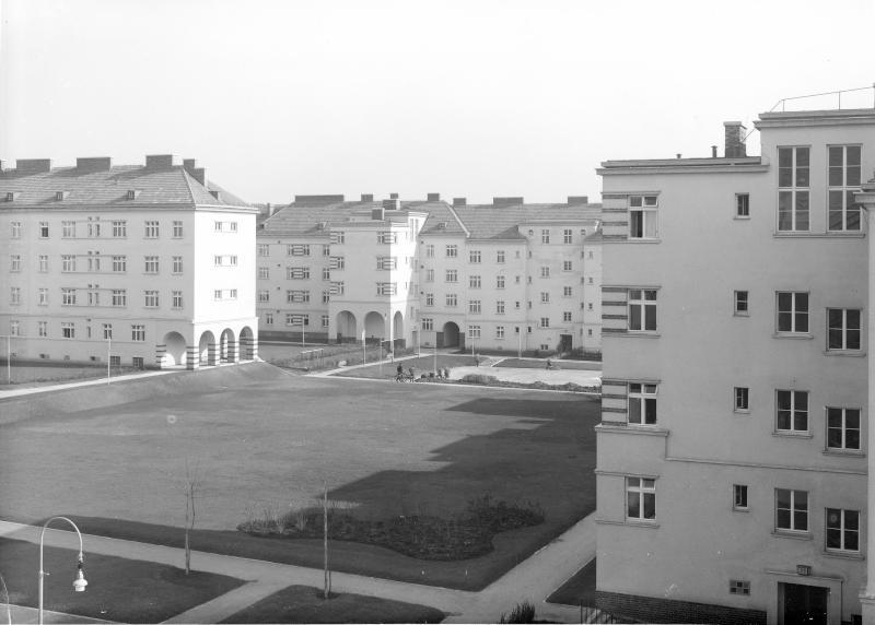 Wien 14, Breitenseerstraße 110-12
