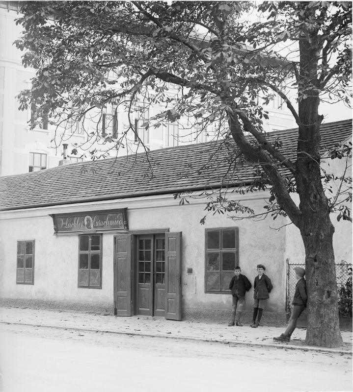 Wien 13, Auhofstraße 51