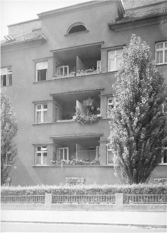 Wien 14, Jenullgasse 15