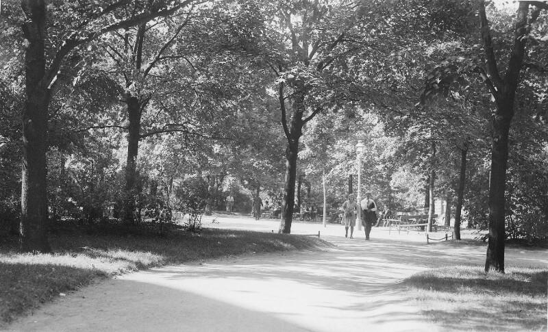 Wien 18, Ebner-Eschenbach-Park
