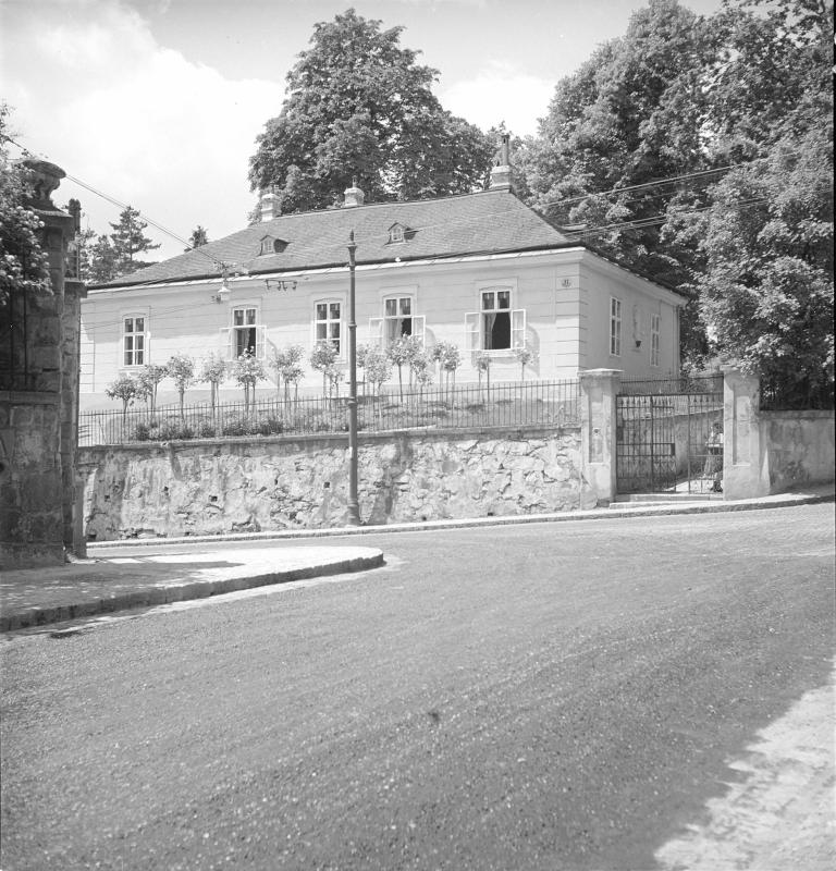 Wien 18, Khevenhüllerstraße 11