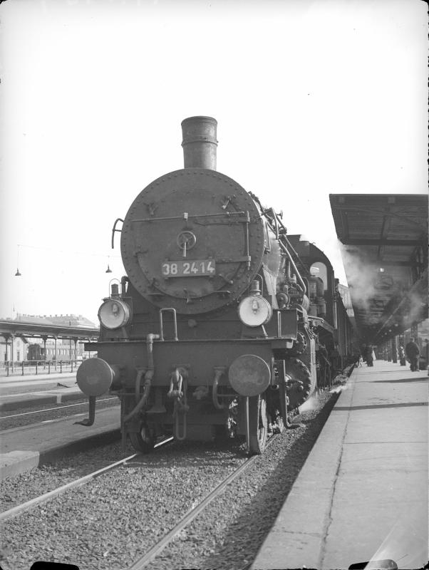 Dampflokomotive der DRB (DB?) 38.2414