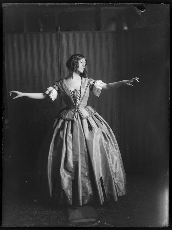 Bildnis Gertrude Barrison (-1946)