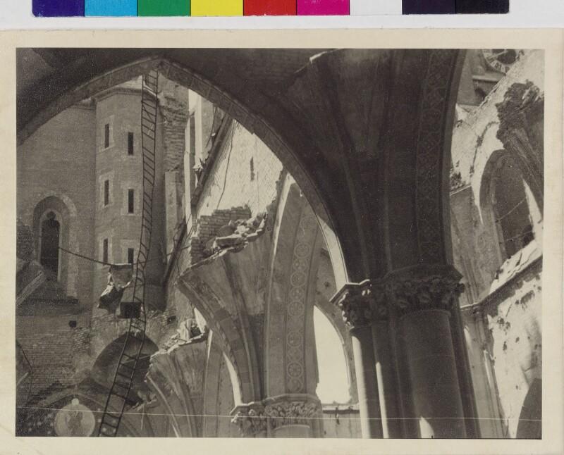 Kriegszerstörte Andräkirche