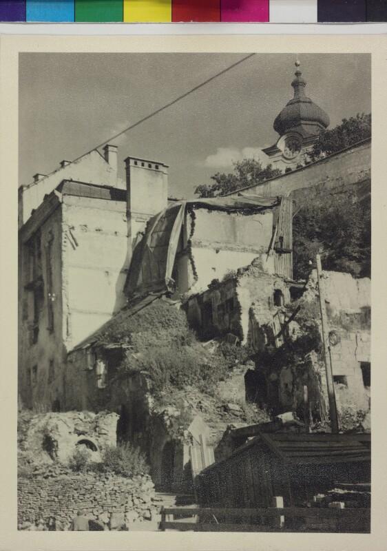 Kriegszerstörte Häuser vor der Nonnbergstiege