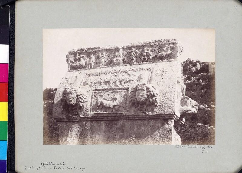 Delphin-Sarkophag von Trysa