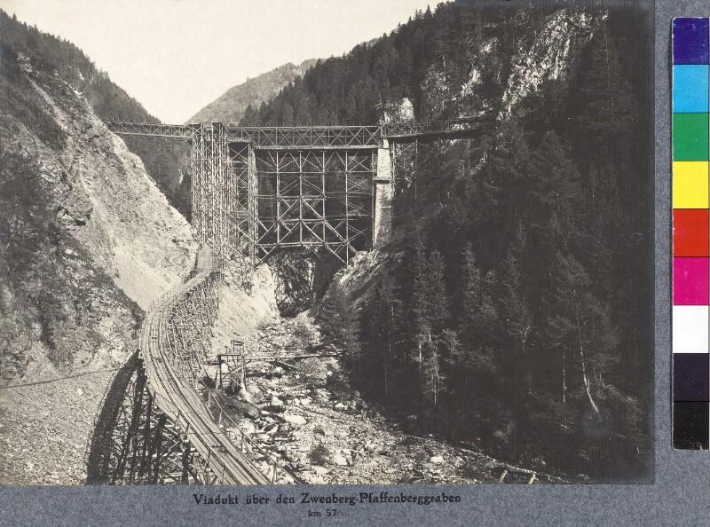 Lehrgerüst für den Viadukt über den Pfaffenberg-Zwenberggraben