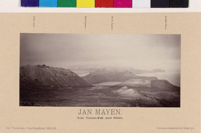 Blick vom Tornoe-Fall nach Süden auf der Insel Jan Mayen
