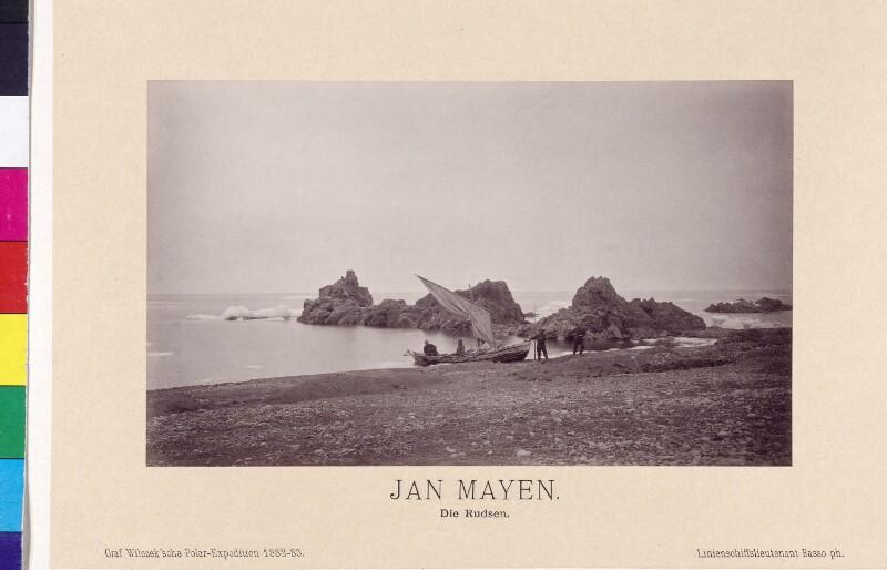 Das Boot Rudsen auf der Insel Jan Mayen