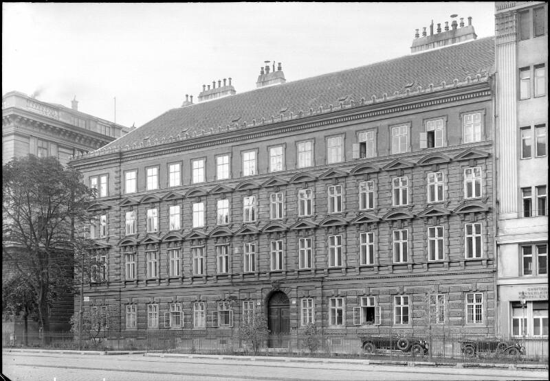 Wien 8, Friedrich-Schmidt-Platz 4