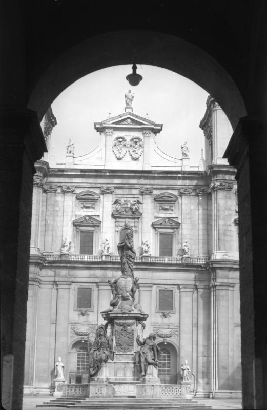 Immakulatasäule am Domplatz in Salzburg
