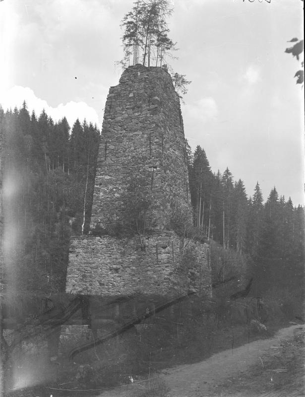 Alter Hochofen in Hüttenberg