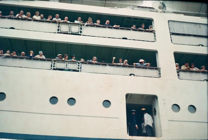 "Ankunft  des Ozeanliners ""Federico C"" in Santos"