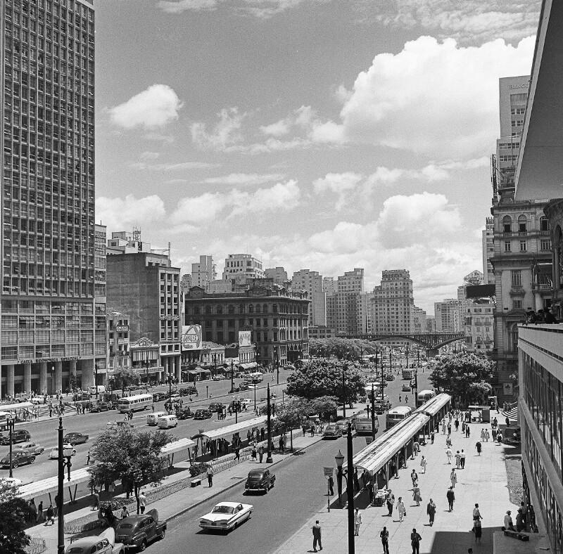 Eine der zentralen Straßen in São Paulo