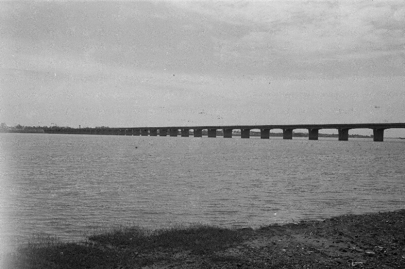 Brücke über den Rio Paraná