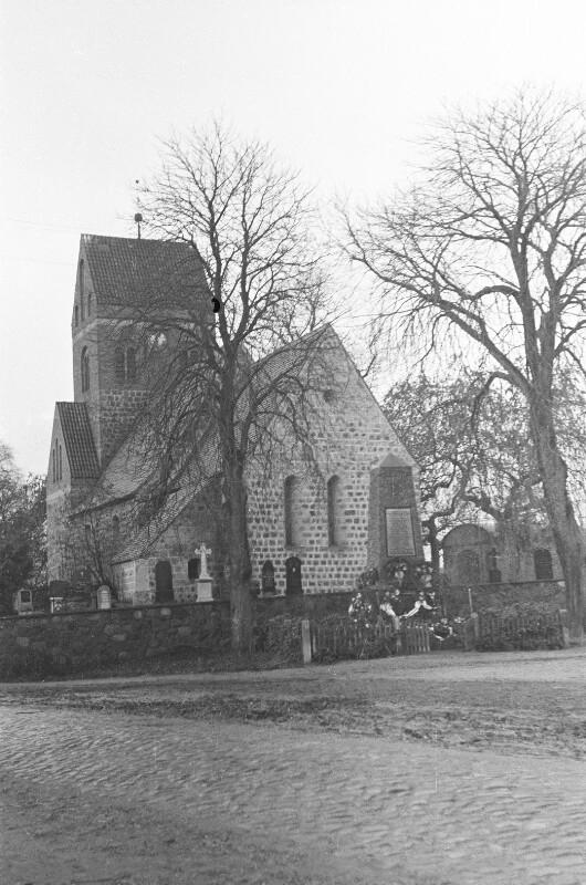 Kirche in Klobbicke bei Breydin
