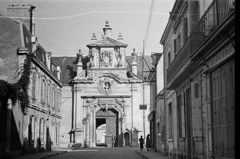 Eingang zum Le Prytanée National Militaire