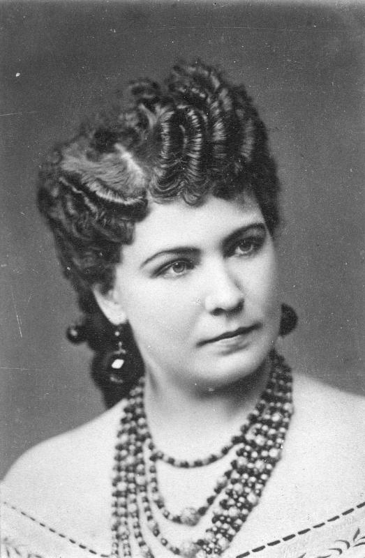 Rollenbildnis als Rosalinde in der Operette Die Fledermaus von J. Strauß Sohn, 5.4.1874©Bildarchiv Austria, ÖNB