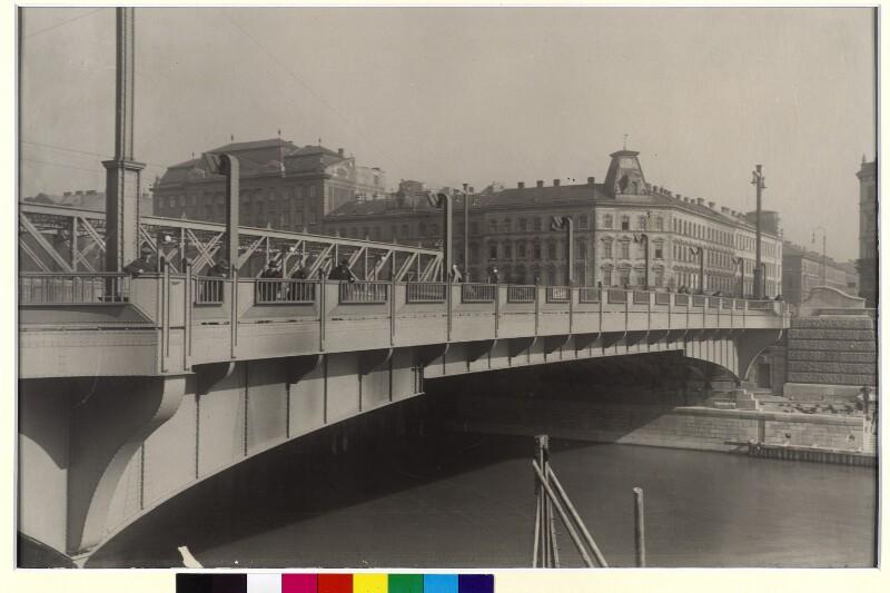 Wien, Friedensbrücke