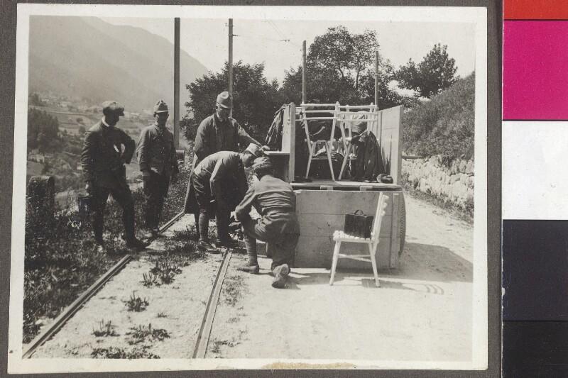 Die Kriegsberichterstatter und Begleiter von Alice Schalek in Tirol, 1915
