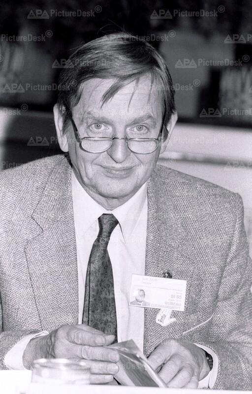 Olof Palme auf der Tagung der Sozialistischen Internationale in Wien
