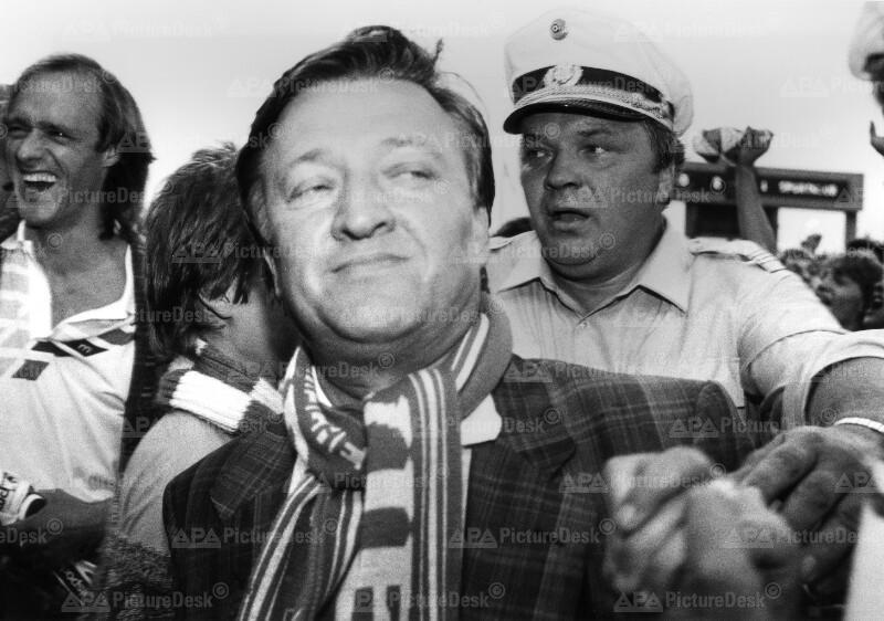 Fußball Bundesliga: Otto Baric freut sich über Rapids Meistertitel 1987