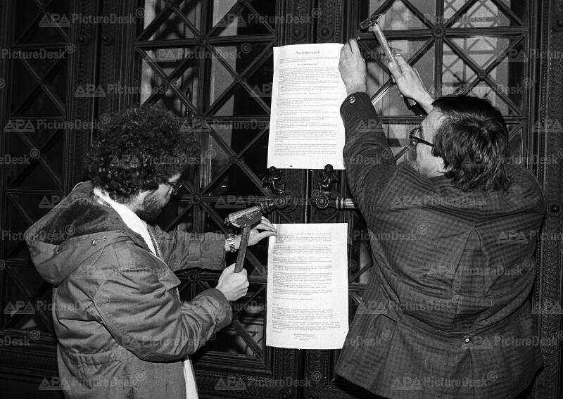 Anschlagen von Umwelt-Thesen 1986