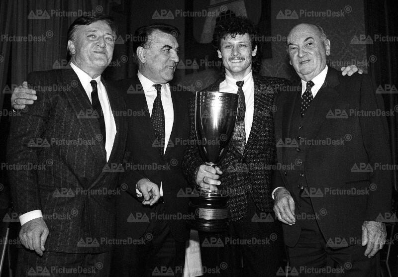 Ehrung der Meister und Cup-Sieger 1986/87 - Baric, Zilk, Weber und Benya