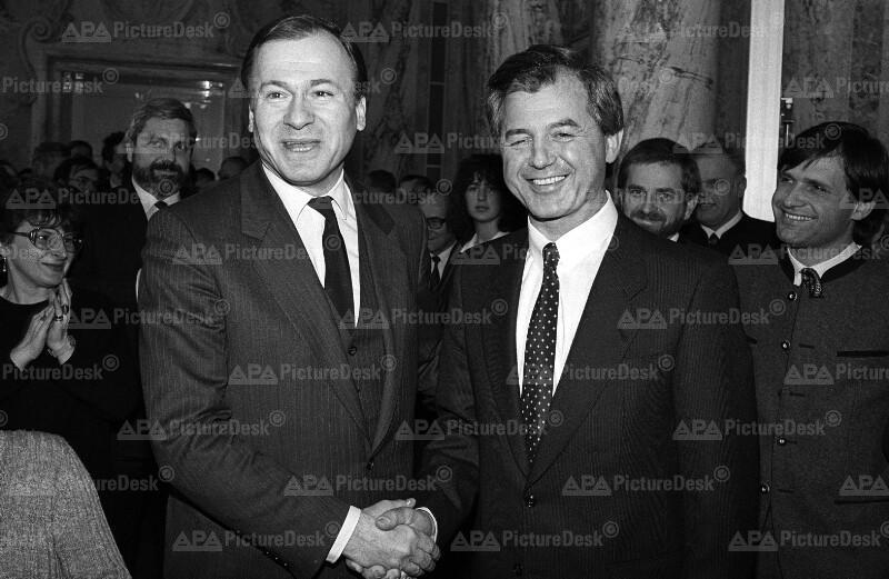 Amtsübergabe im Landwirtschaftsministerium: Erich Schmidt und Josef Riegler