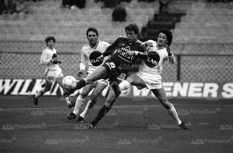 Fußball 1987 - Rapid vs Austria - Garger, Webera und Weber