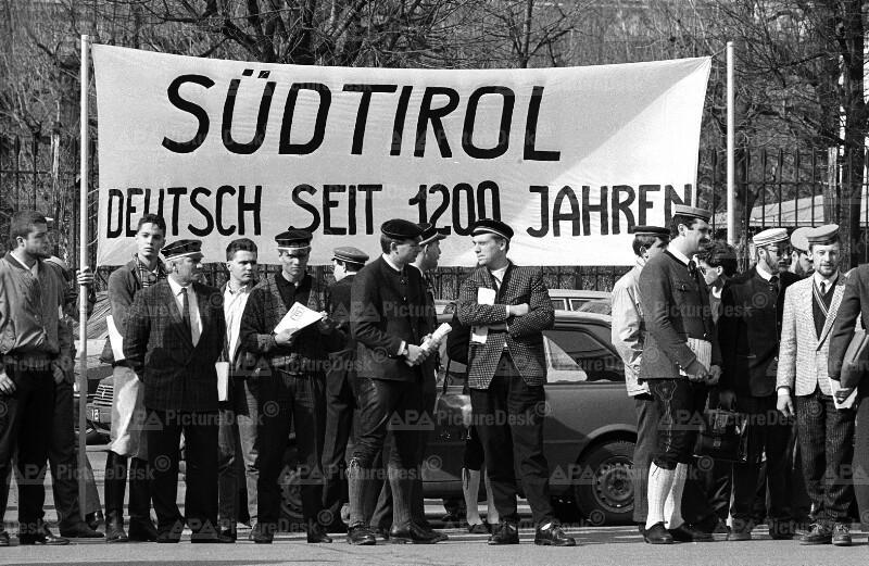Demonstration für die Rechte der Südtiroler