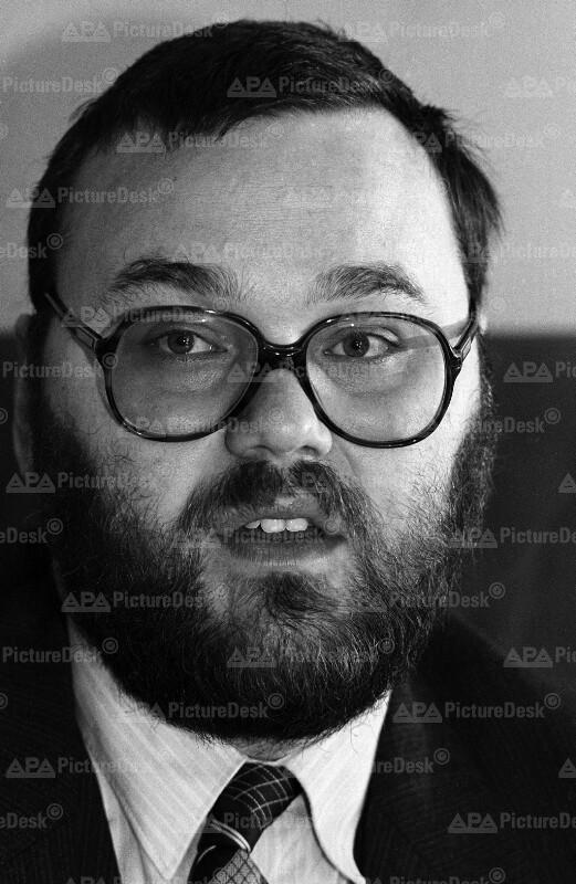 """Der Vorsitzende der """"Arbeitsgemeinschaft Christentum und Sozialismus"""" Gerhard Steger"""