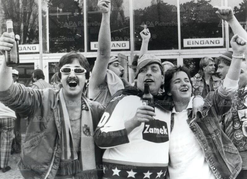 Fans bei der Eishockey-WM 1987 in Wien 1987