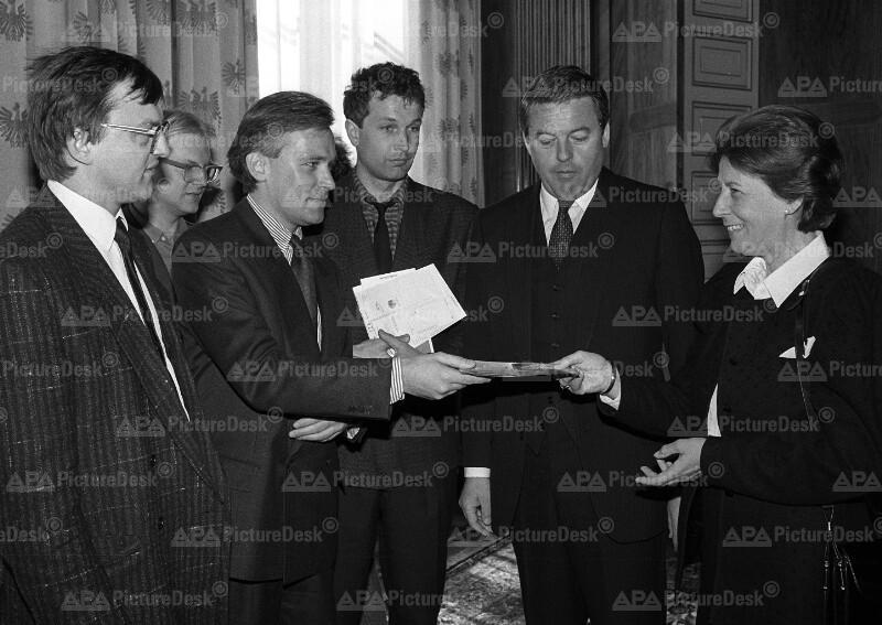 """Empfang des """"Rettet den Wald""""-Komitees durch Bundeskanzler Franz Vranitzky"""