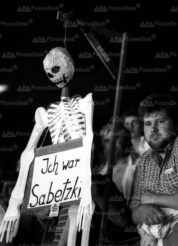 Eishockey-WM in Wien 1987 - Protest gegen Günther Sabetzky