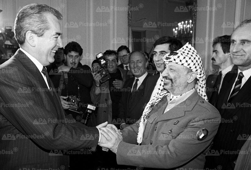 Alois Mock und Yasser Arafat