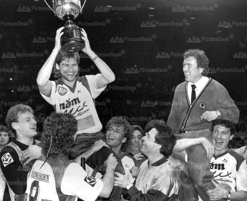 Admira Wacker feiert Sieg im Wiener Stadthallenturnier 1989