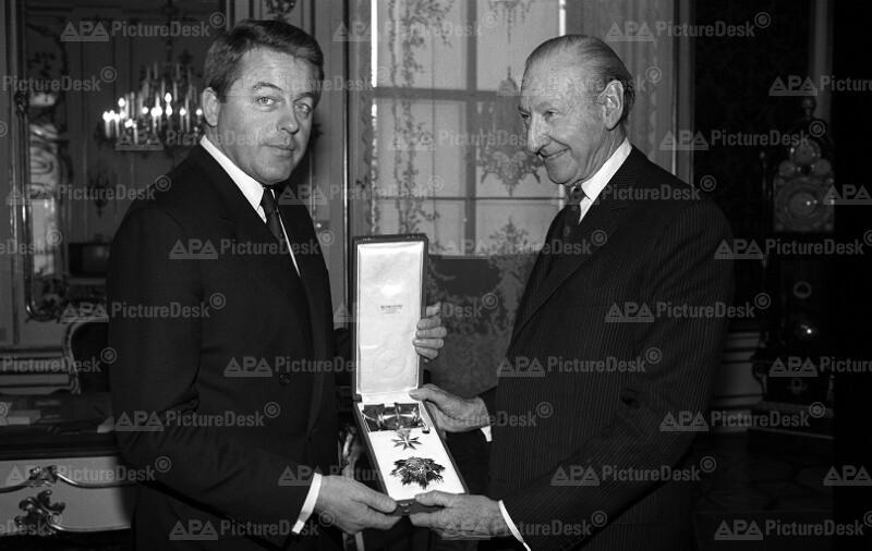 Ehrenzeichen für Bundeskanzler Franz Vranitzky