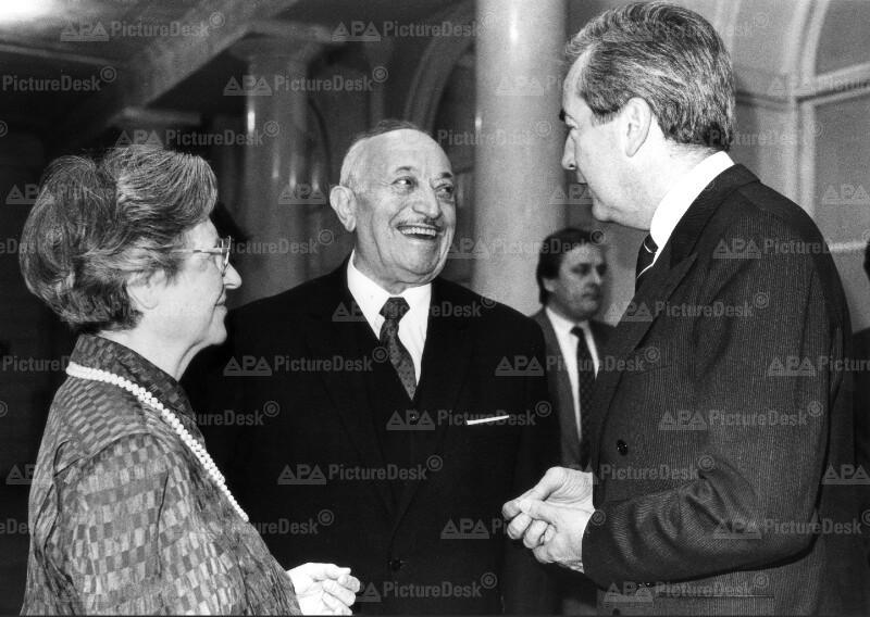 Alois Mock mit Simon und Cyla Wiesenthal