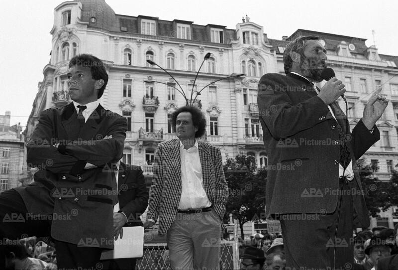 Bauern-Demonstration in Wien - Jörg Haider, Andreas Wabl und Franz Fischler