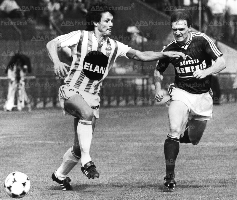 Bundesliga 1989 - Rapid vs. Austria - Heribert Weber und Andreas Ogris