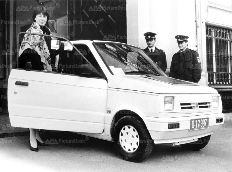 Marlies Flemming mit Solarauto