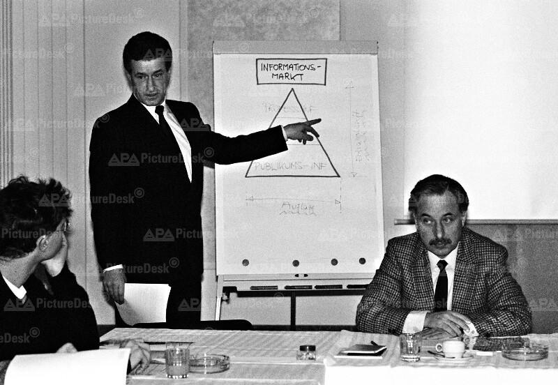 """Präsentation des """"APA-Finanz & Börse Online-Dienstes"""" - Wolfgang Vyslozil und Josef A. Nowak"""