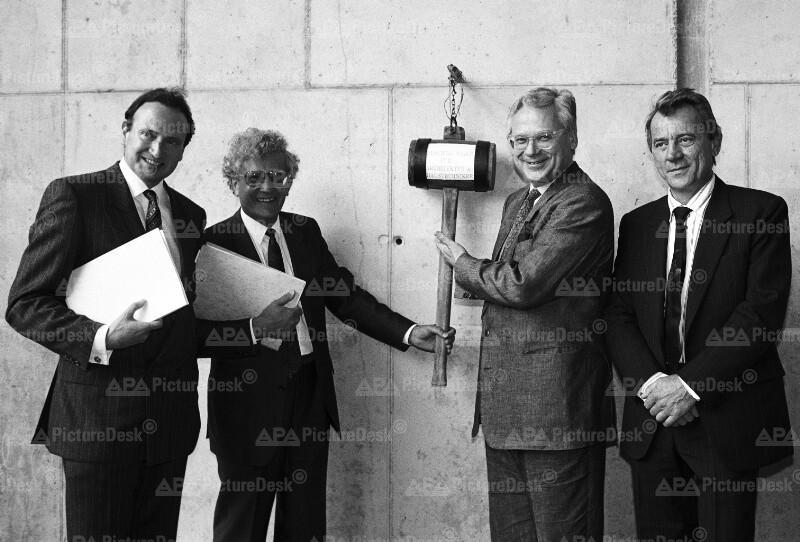 Katinger, Huber, Busek und Biffl bei Gleichenfeier der BOKU-Wien