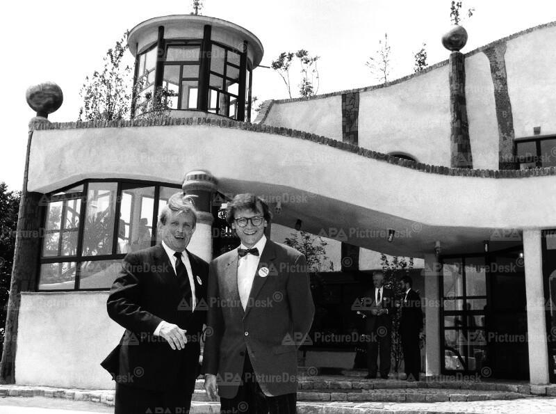 Wolfgang Schüssel und Siegfried Ludwig bei Raststätte Bad Fischau