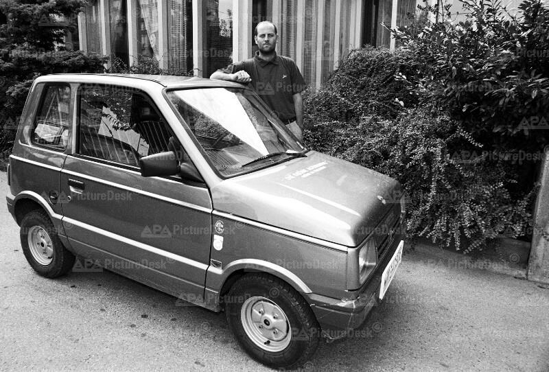 Christoph Chorherr mit Elektroauto