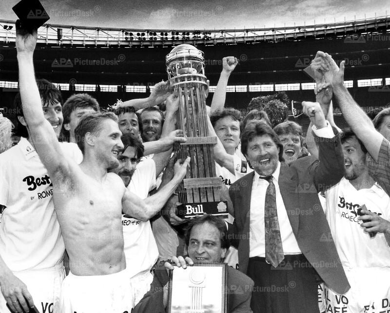 Fußball - ÖFB-Cup 1991 - Stockerau jubelt